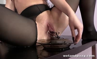 Secretary gets pissy and wet in the office